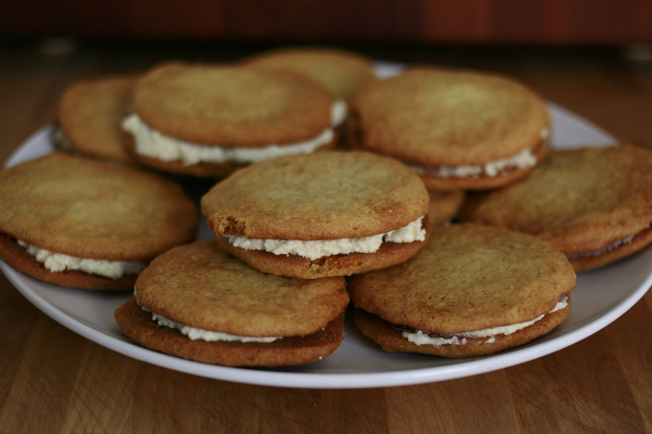 honey ginger sandwich cookies with lemon cream - The Answer is Always ...